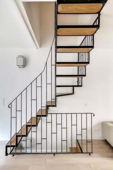 loft-paris-montmartre-escalier